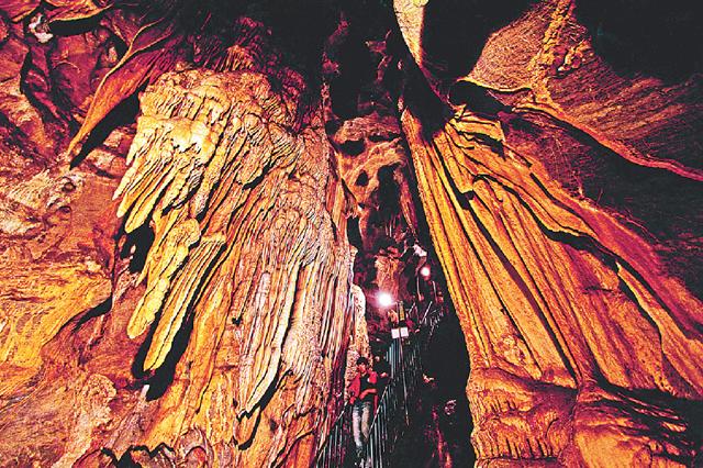 평균기온 15도… 아늑한 동굴에서