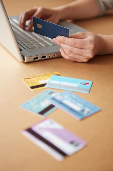 신용카드 번호에도 질서가 있다...