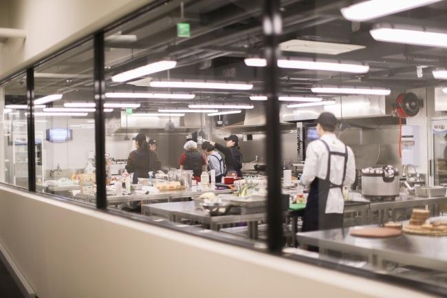 위쿡은 인큐베이팅 센터를 비롯해 공유주방, 식품 유통, 딜리버리 키친 등 4개의 사업부문이 잘 짜여진 'F&B(식음료) 생태계'의 축소판이다. [사진=심플프로젝트컴퍼니 제공]