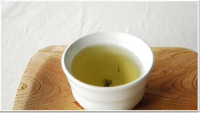 [사진설명=쑥차는 비타민C가 풍부하고 향기가 진해 봄철 미각을 돋우는데 좋다.]