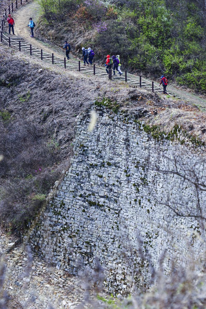 힐링되는 성곽 산책길 '보은 삼년산성