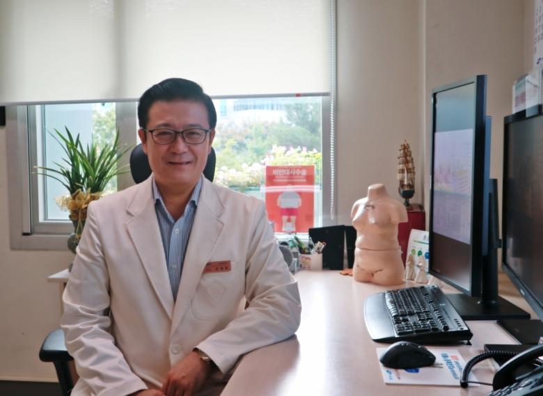 """사진= 강재헌 교수는 한국인이 고쳐야 할 식습관에 대해 """"짜게 먹는 습관, 칼슘과 철분이 부족한 식단, 알코올 과다 섭취""""를 들었다."""
