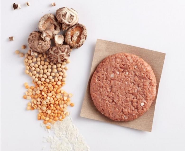 대두와 완두콩, 표고버섯을 이용해 만든 중국 '옴미포크'의 식물성 고기