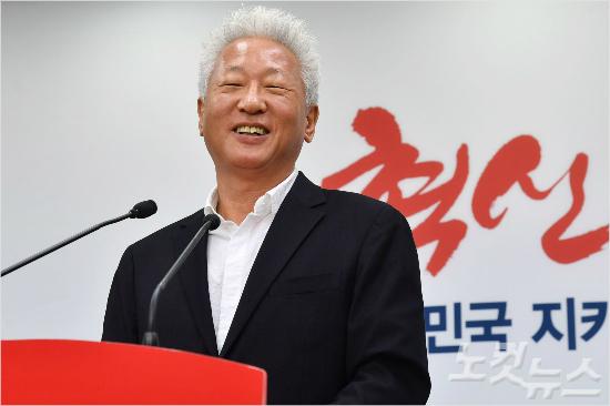 홍준표 발언에 드리운 류석춘의 그림자