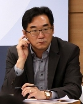 '민중은 개ㆍ돼지' 발언 나향욱…법원