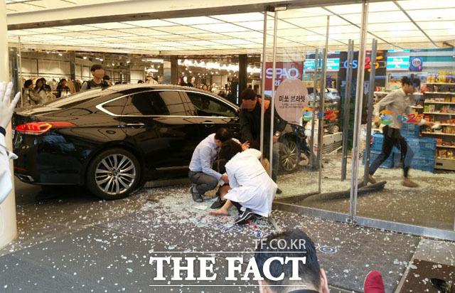 '강남역 사고' 참혹한 현장 돌아 보