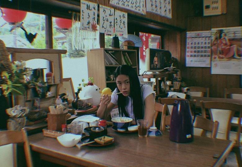 설현, 일본 여행사진 공개 '막 찍어