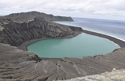 2년 전 화산 폭발 뒤 생긴 섬…NA