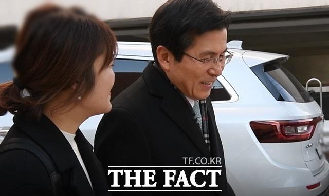 """'서울시장 출마설' 황교안 """"나라 많"""