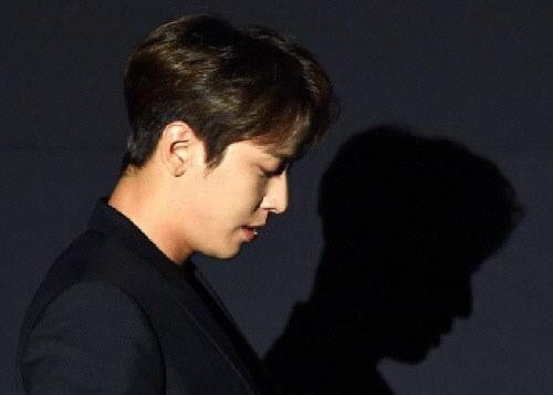 '특혜의혹' 정용화-조규만, 불구속