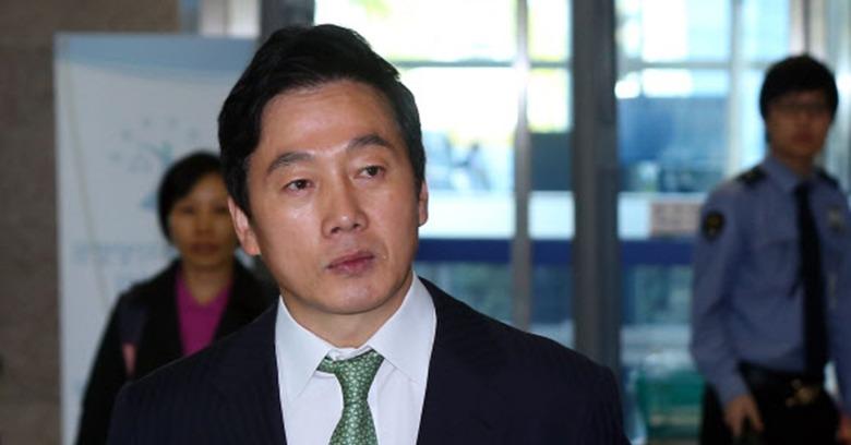 정봉주 '성추행 의혹'에 지지자들 '