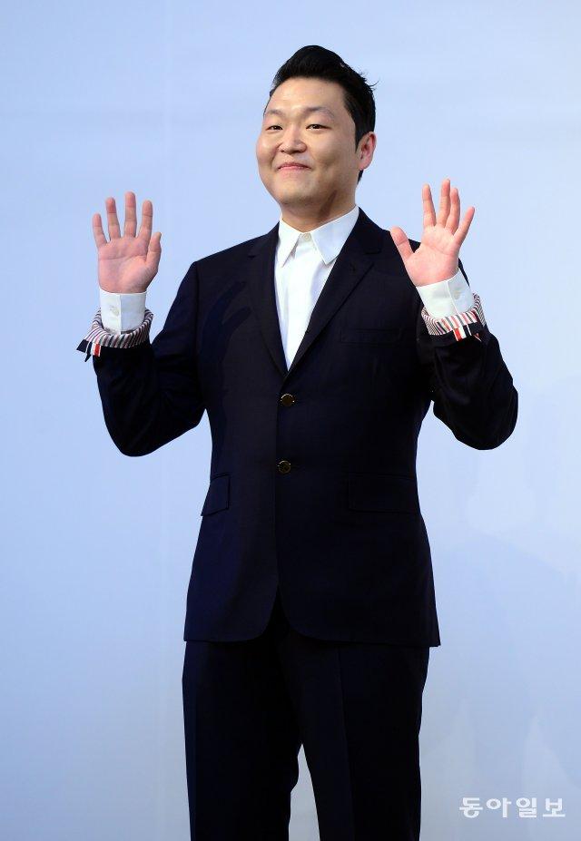 싸이, 8년 만에 YG와 결별… 향