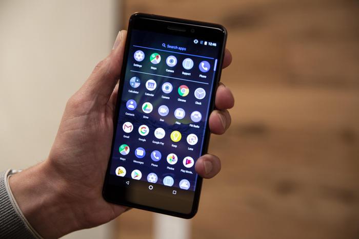 모든 안드로이드 스마트폰은 '순정'이