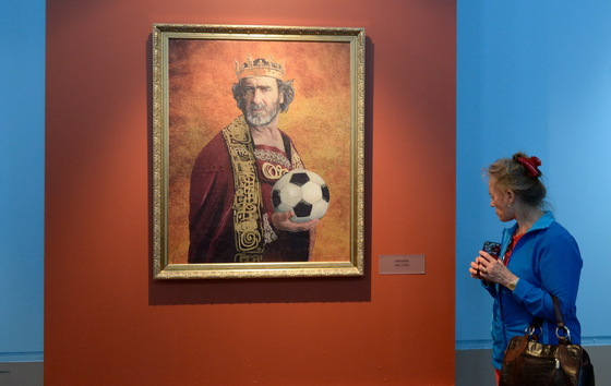 미술관에 걸린 '축구의 신'들