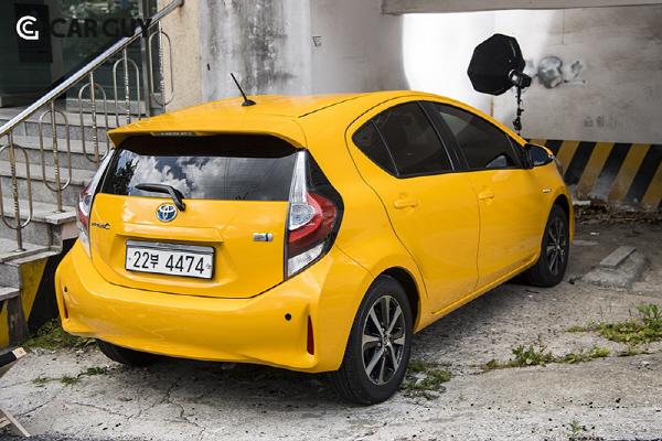 토요타 프리우스C..'작은 차,큰 기
