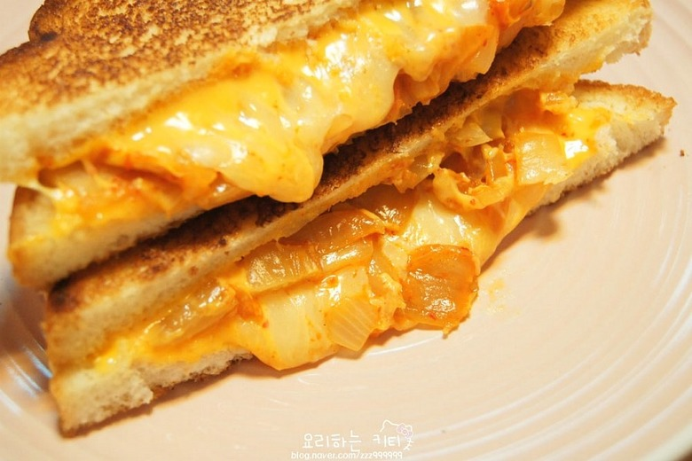 김치치즈 샌드위치 만들기