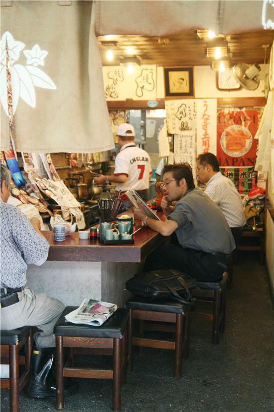 도쿄 수산시장과 100년 덮밥집
