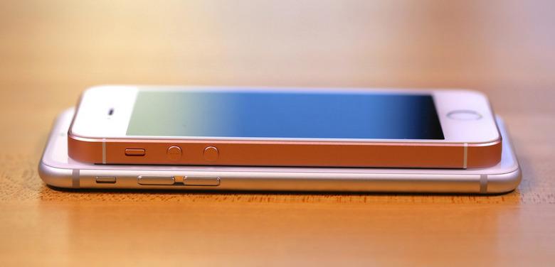 속속 등장하는 '아이폰 SE' 사용