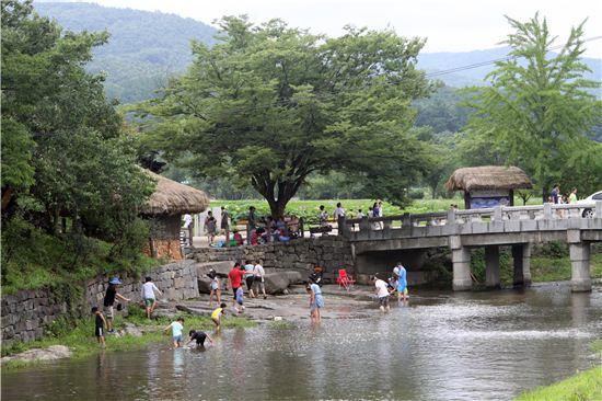 아산 외암민속마을의 여름과 시골 밥상