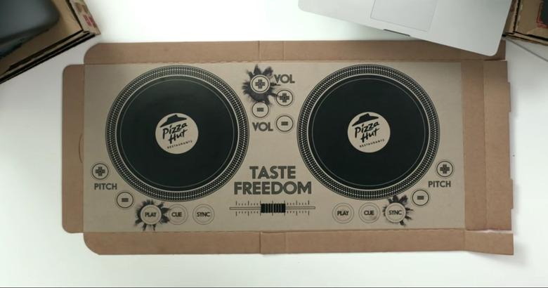 DJ 박스로 변신하는 피자 박스가 있