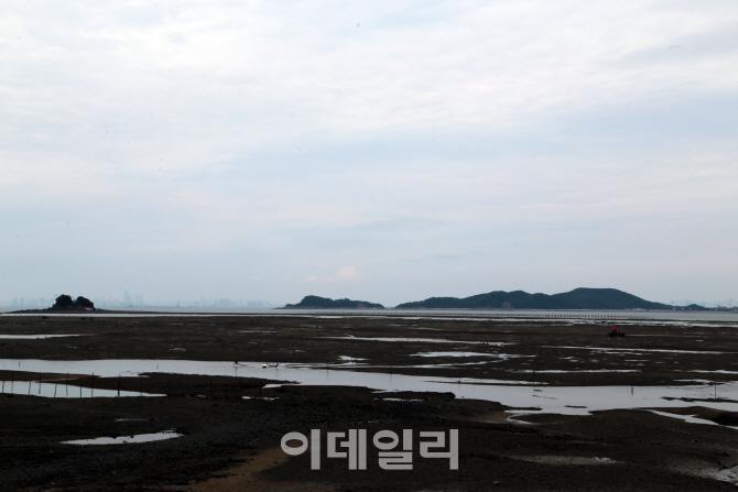 하늘이 허락해야 닿는 섬… 가을바다