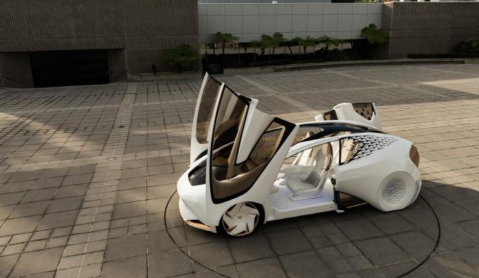 운전자와 대화하는 미래 자동차