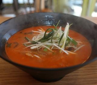 망치탕수육·숯불커피… '신상 맛집'
