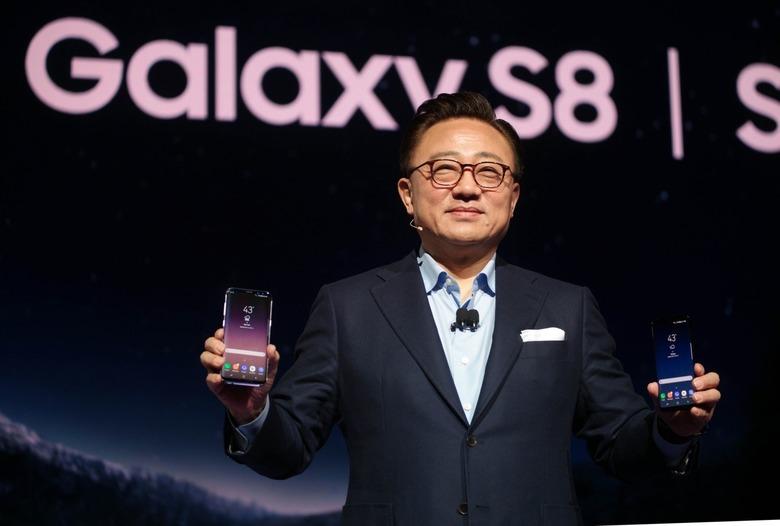 갤럭시 S8은 무엇으로 우위를 점했나