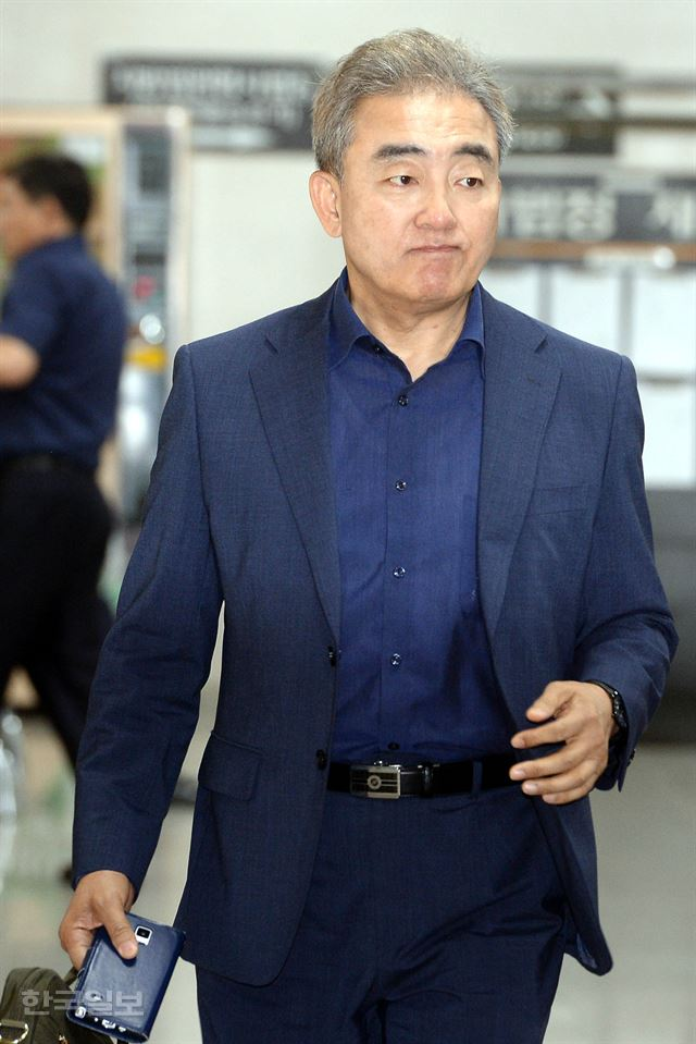 유진룡 증언 무시하는 듯… 朴 두 차