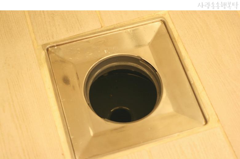 화장실 하수구 냄새제거 : 상쾌한 욕