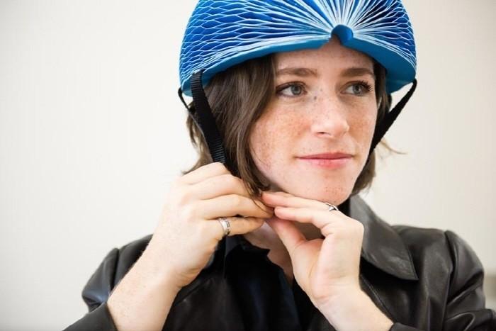 아코디언처럼… 접이식 자전거 헬멧