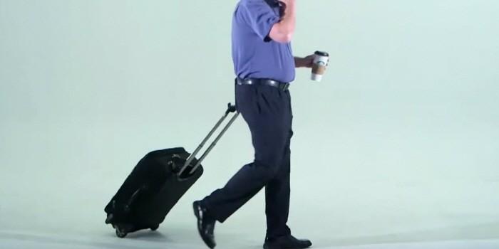 양손 자유롭게 여행 가방 끌 방법?