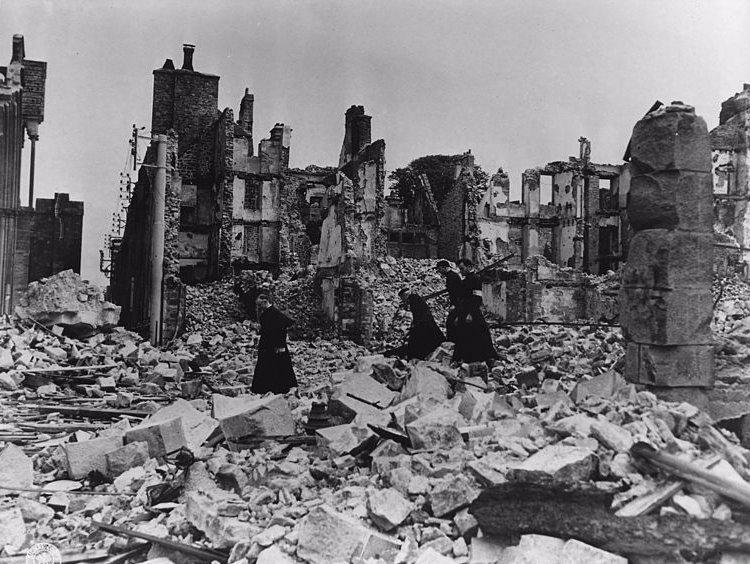 엥포르맬 (Informel) : 전쟁