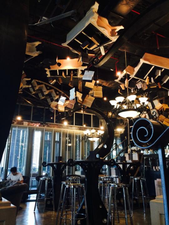 방콕 서점 여행: 동남아를 즐기는 색