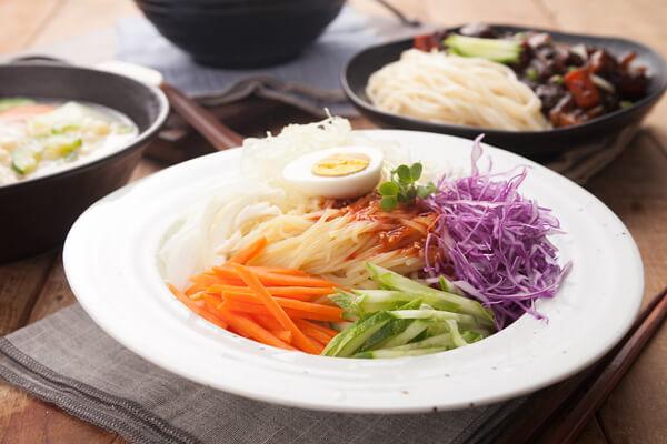 주먹밥과 꿀조합을 자랑하는 추천 메뉴