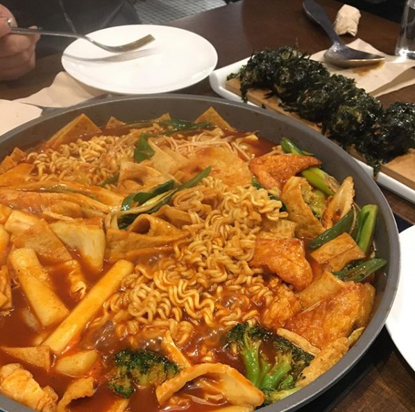 유명 맛집 모두 모인 강남 고속터미널