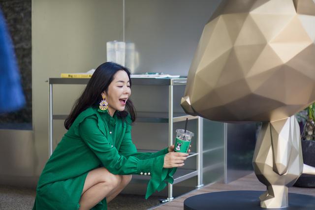 """화가 변신한 이혜영 """"내 상상력 바탕"""