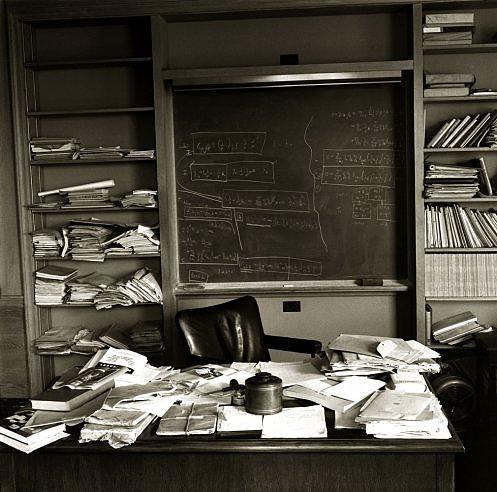 당신이 책상을 어지럽혀야 하는 이유