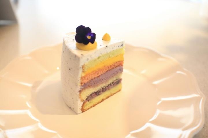 헛헛한 마음 달래줄 달콤한 케이크 맛