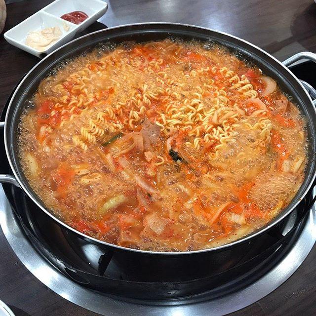 컨버전스의 향연 부대찌개 맛집