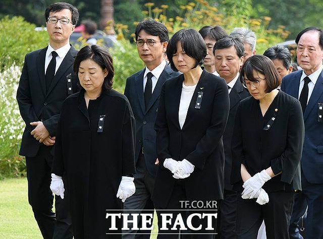 '눈물 바다' 고 노회찬 원내대표 영