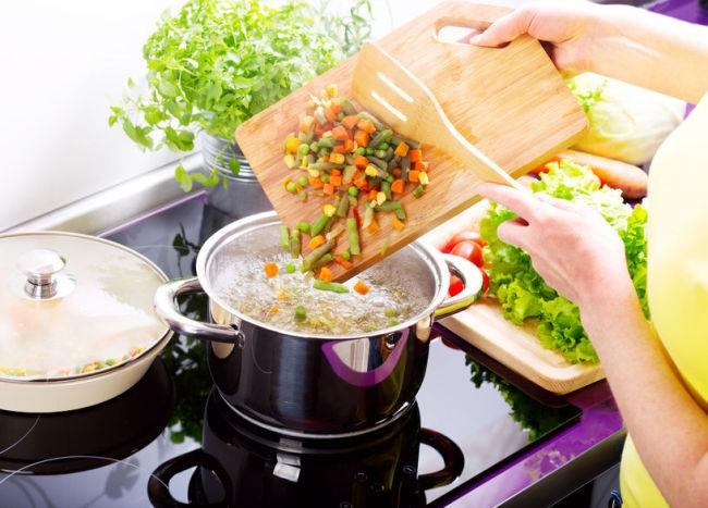 폭염엔 '생채소'도 식중독 일으킨다