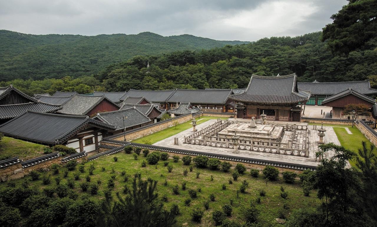 불금, 山寺의 초대