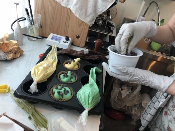 빵집계의 심야식당…머핀에 칵테일 한