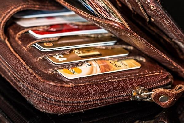 '신용카드 사용' 부자가 될 수 없다