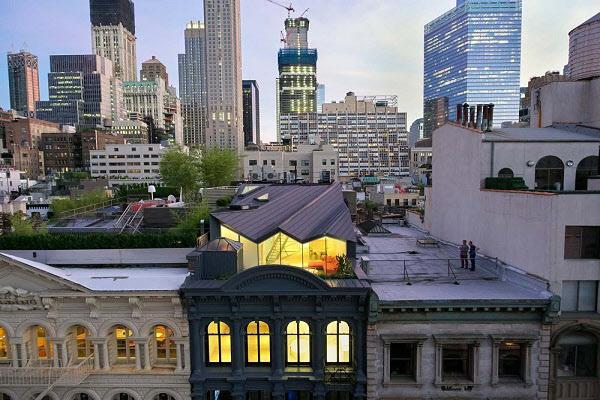 160년 된 빌딩 옥탑 개조해 만든