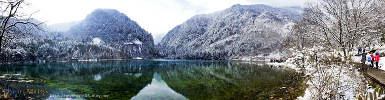 중국 구채구 일측구, 아름다운 물빛의