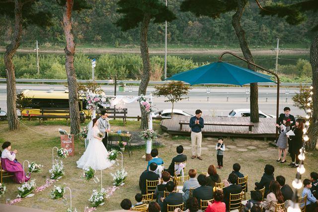 토크쇼부터 1박 2일 캠핑까지… 결혼