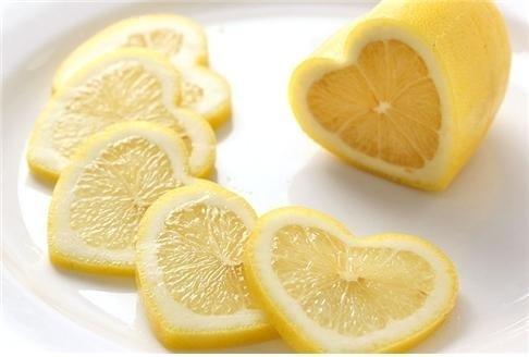 하트 모양으로 개량한 레몬