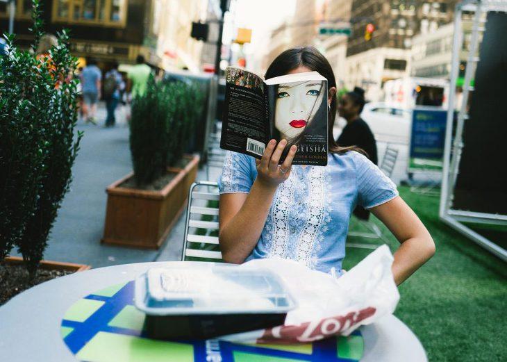 우연을 찍는 거리 사진작가 Jonat